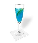 Blue Champagne Zubereitung: Mischen und servieren