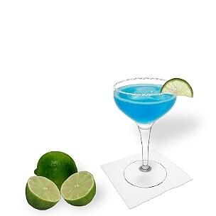 Eine weitere grossartige Option für Blue Margarita, eine Cocktailschale.