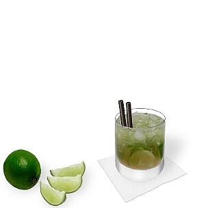 Caipirinha ist einer der beliebtesten Sommer Cocktails weltweit.