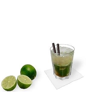 Caipirinha im Tumbler Gibraltar, die übliche Art diesen leckeren Sommer Drink zu servieren.