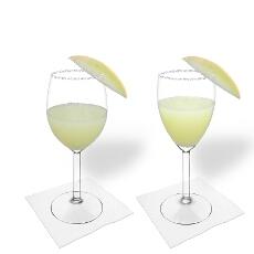 Frozen Melon Margarita im Weiss- und Rotweinglas