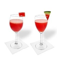 Frozen Watermelon Margarita im Weiss- und Rotweinglas