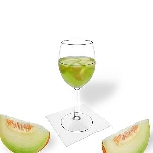 Melonen Bowle im Weinglas, die übliche Art diesen leckeren Party-Drink zu servieren.