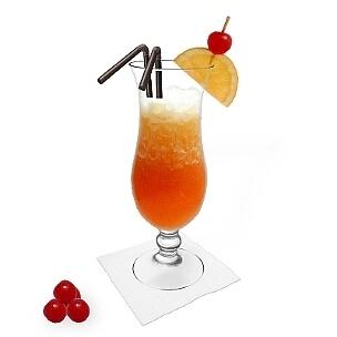 Sex on the Beach im Hurricane-Glas, eine gute Option diesen leckeren Frauen-Drink zu präsentieren.