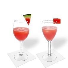 Wassermelonen Margarita im Weiss- und Rotweinglas