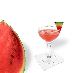 Eine weitere grossartige Option für Wassermelonen Margarita, eine Cocktailschale.
