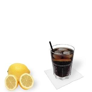 Strohhalme und Rührstäbchen passen ganz gut zum Whisky Cola, sind aber eher ungewöhnlich.
